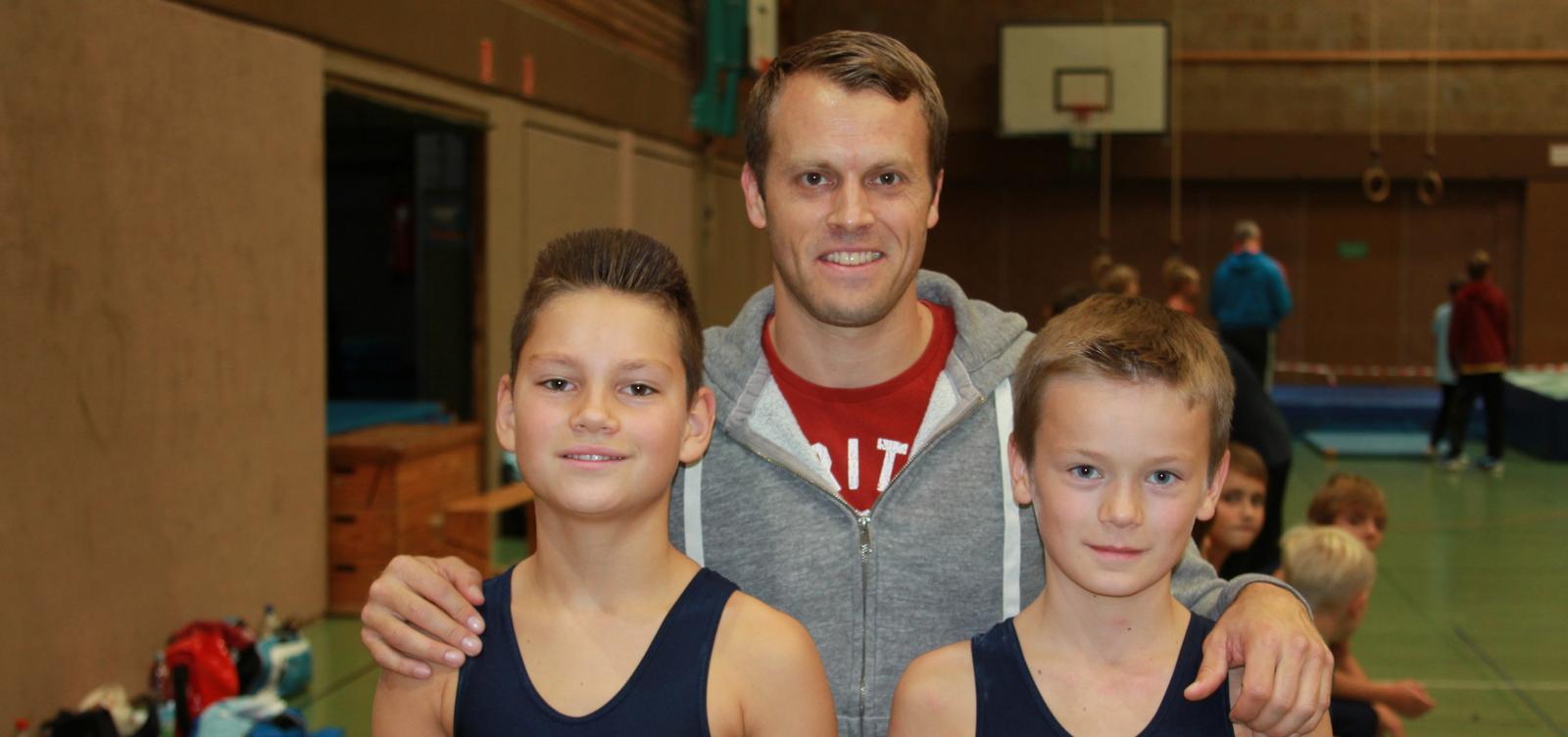 Leon_Voss und Franz Rehaag mit Thomas Andergassen