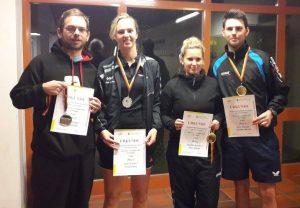 Die Finalisten im Mixed: David König, Julia Winter, Kathrin und Marc Metzler (von links).