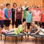 """Gruppenfoto nach getaner """"Arbeit"""" mit unseren Trainerinnen Sabine (ganz links) und Stefanie (rechts)."""